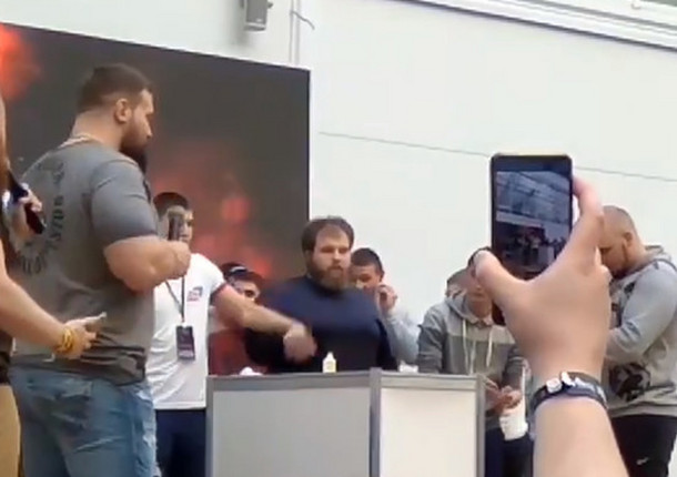 В Красноярске провели чемпионат по пощечинам